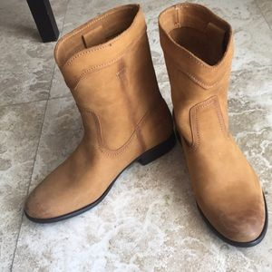 NEW FRYE Boots Size 7 Cognac Leather Short Boot